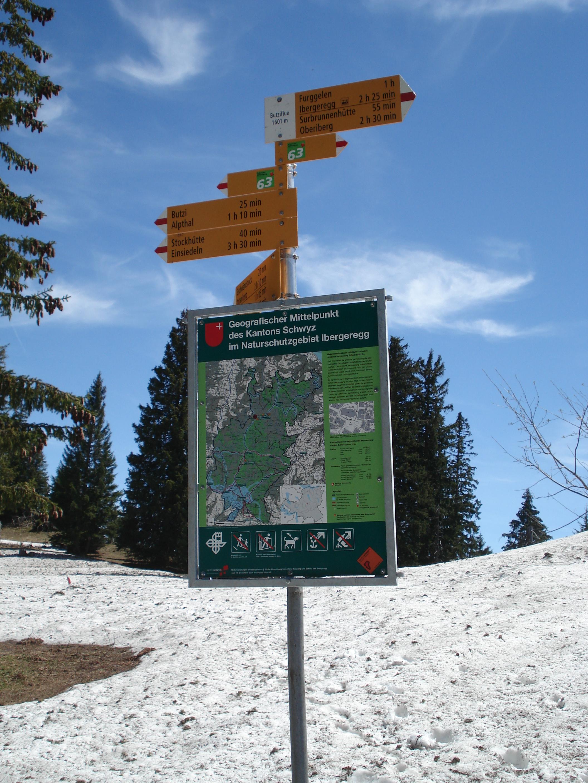 Tafel beim Mittelpunkt Kanton Schwyz